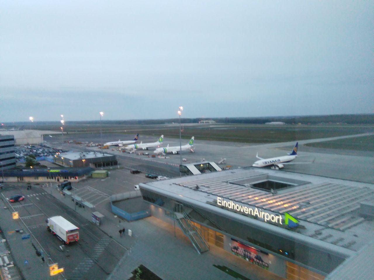 kleine luchthaven eindhoven