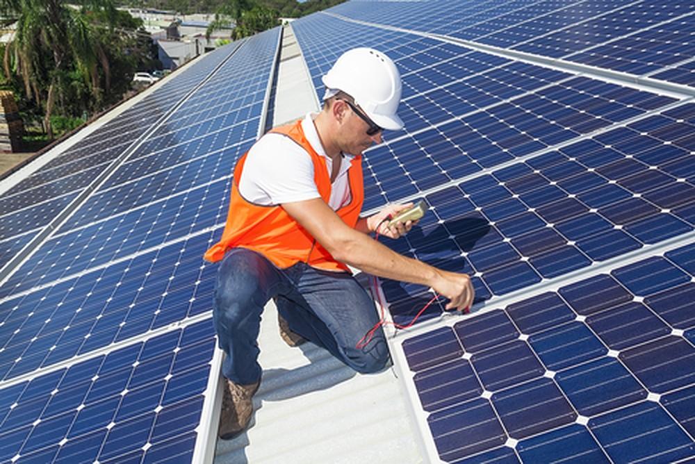 De kwaliteit van zonnepanelen herkennen