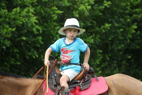 3 redenen waarom een eigen paard goed is voor kinderen
